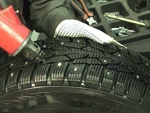 Ошиповка зимних шин своими руками
